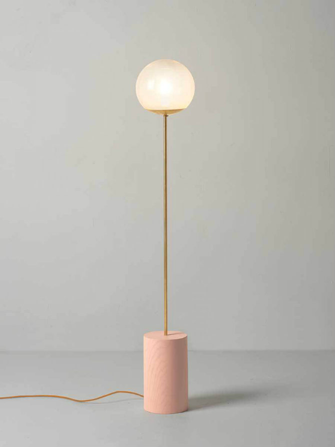 10 Golden modern lamps Line Lamp - Douglas + Bec floor lamp 10 Floor Lamp Ideas for your interiors 10 Golden modern floor lamps Line Floor Lamp Douglas Bec 1