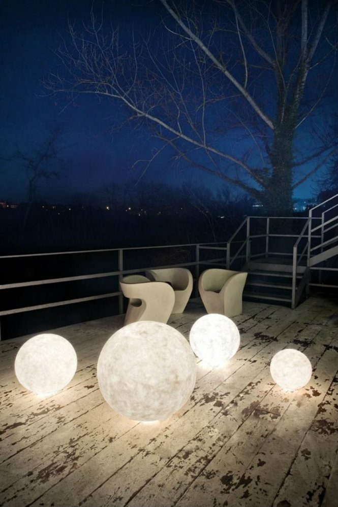 10 Amazing ideas on how to use floorlamps in rooftops Nebulite® Floor lamp EX MOON floor lamps 10 Amazing ideas on how to use floor lamps in rooftops 10 Amazing ideas on how to use floor lamps in rooftops Nebulite   Floor lamp EX MOON