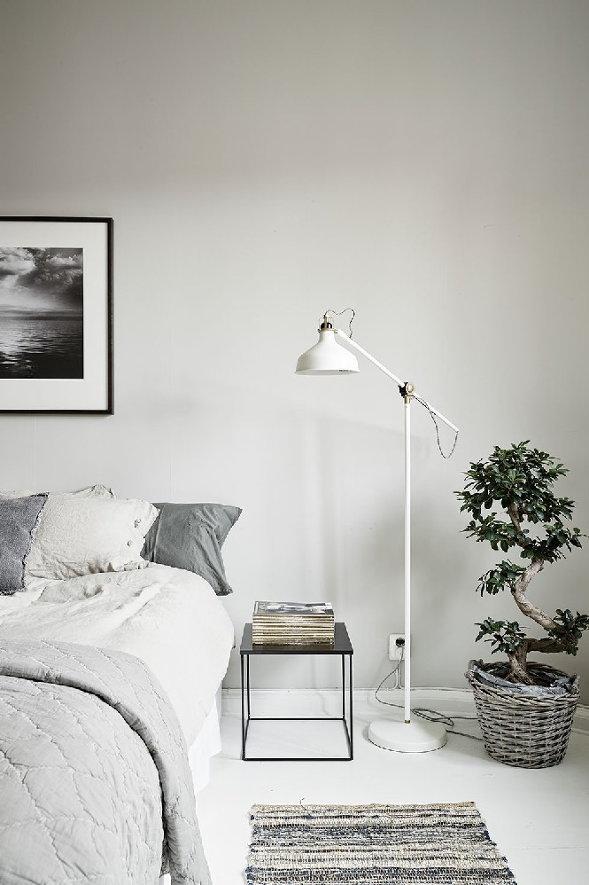 10 Harmonious Bedroom Ideas With Floor Lamps That You Ll Want To See