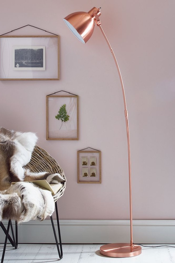 Home Decor Explosive Mix: copper floor lamps and pink details