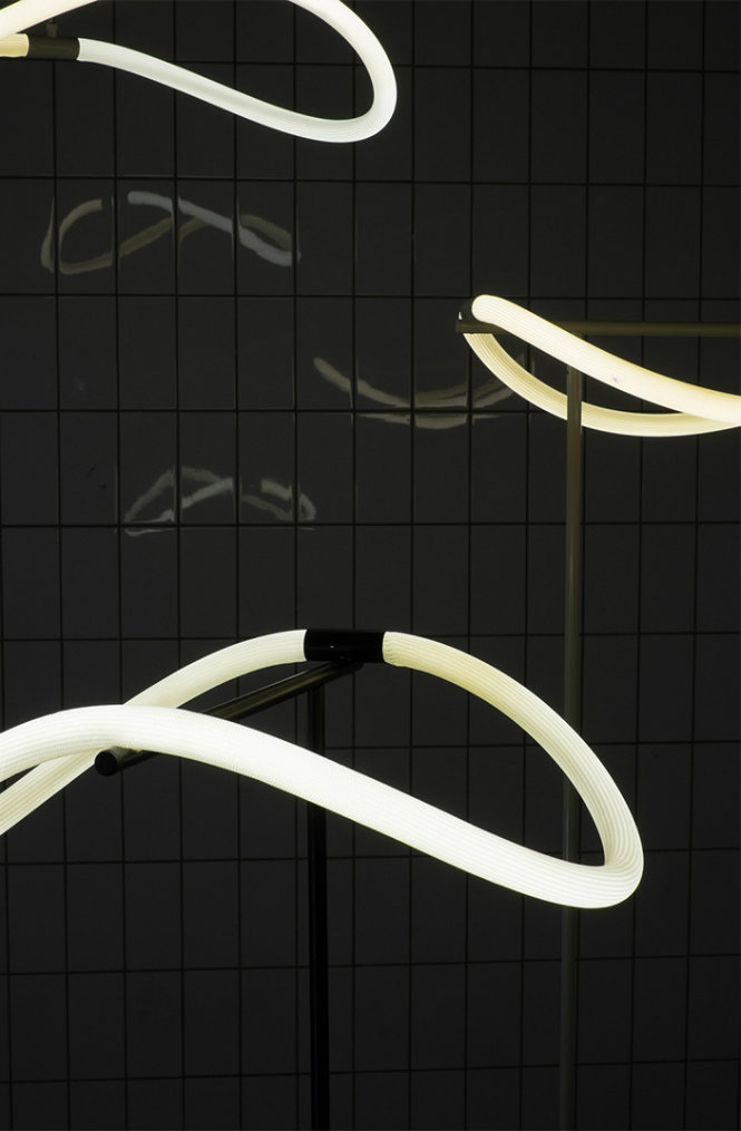 The Flexible Floor Lamp by Truly Truly Studio (2)