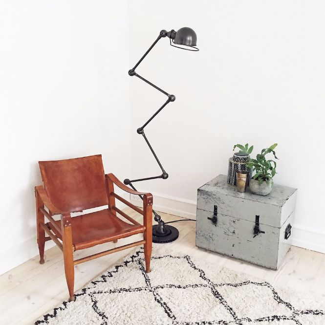 6 Old-Fashioned Floor Lamps to transform your home design floor lamps 6 Old-Fashioned Floor Lamps to transform your home design 6 Old Fashioned Floor Lamps to transform your home design