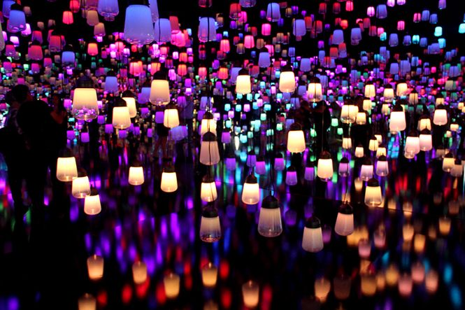 Teamlab created a forest of resonating lamps at maison et objet maison et objet Teamlab created a forest of resonating lamps at maison et objet Teamlab created a forest of resonating lamps at maison et objet 3