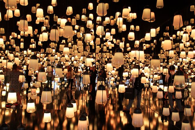 Teamlab created a forest of resonating lamps at maison et objet maison et objet Teamlab created a forest of resonating lamps at maison et objet Teamlab created a forest of resonating lamps at maison et objet 6