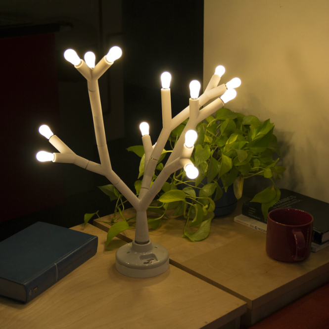 Splyt: The LED Tree Standing Lamp standing lamp Splyt: The LED Tree Standing Lamp 06 YKit kitchen table