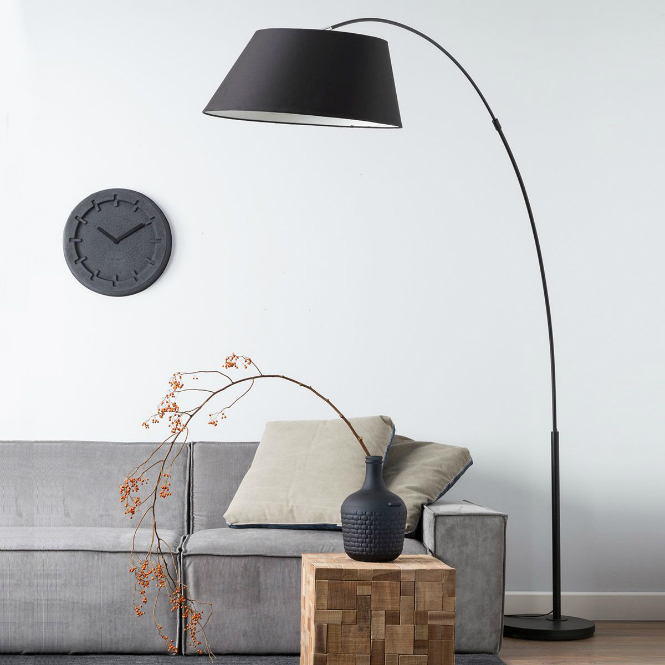 Floor Lamps Essentials: Cantilevered Lamp floor lamps Floor Lamps Essentials: Cantilevered Lamp Arc floor lamp in black color