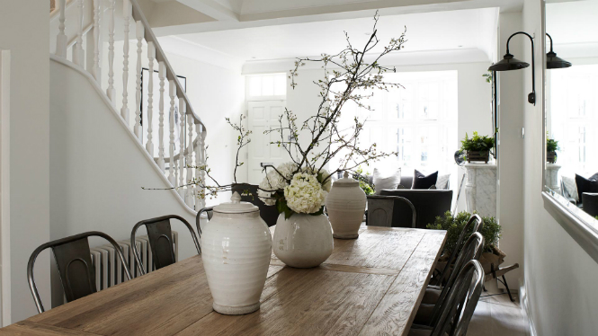 Refurbished Chelsea Cottage with Amazing Lighting Designs lighting designs Refurbished Chelsea Cottage with Amazing Lighting Designs Refurbished Chelsea Cottage with Amazing Lighting Details2