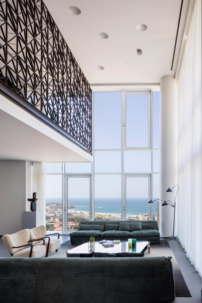 A Tel Aviv Apartment with Modern Floor Lamps That You Must See modern floor lamps A Tel Aviv Apartment with Modern Floor Lamps That You Must See 2