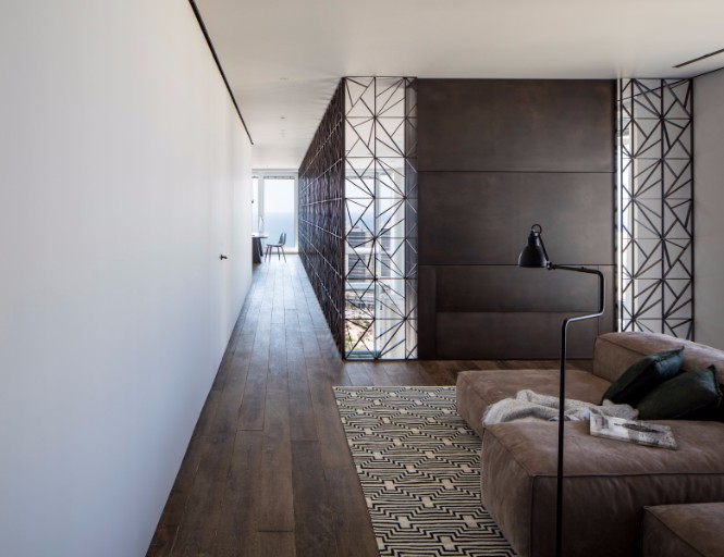A Tel Aviv Apartment with Modern Floor Lamps That You Must See modern floor lamps A Tel Aviv Apartment with Modern Floor Lamps That You Must See 9