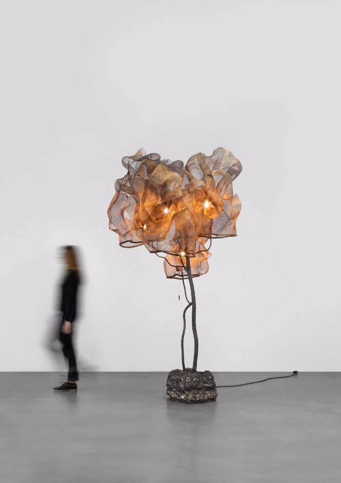 Nacho Carbonell fills Paris Gallery with Amazing Sculpture Lamps sculpture lamps Nacho Carbonell fills Paris Gallery with Amazing Sculpture Lamps Nacho Carbonell fills Paris Gallery with Amazing Sculpture Lamps 1