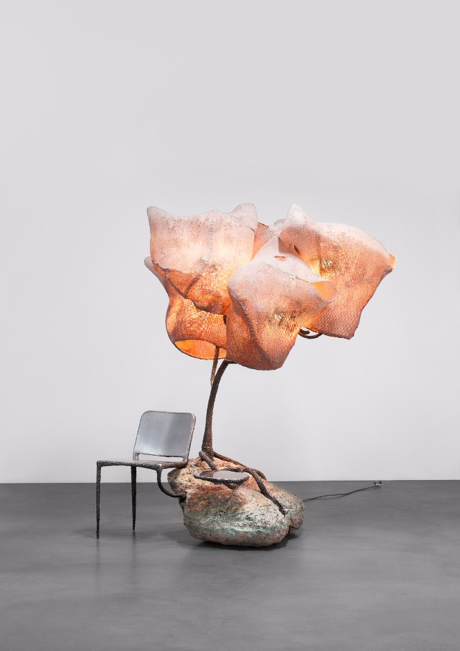 Nacho Carbonell fills Paris Gallery with Amazing Sculpture Lamps sculpture lamps Nacho Carbonell fills Paris Gallery with Amazing Sculpture Lamps Nacho Carbonell fills Paris Gallery with Amazing Sculpture Lamps 3
