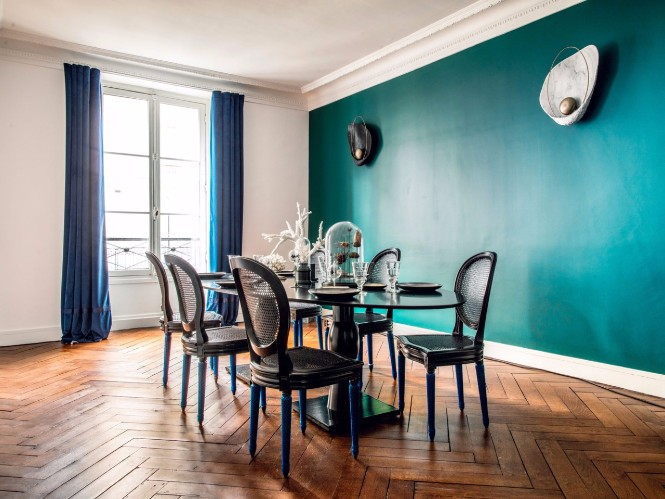 Stunning Lighting Designs Shine in Hilary Swank's Paris Apartment 1 lighting designs Stunning Lighting Designs Shine in Hilary Swank's Paris Apartment Stunning Lighting Designs Shine in Hilary Swanks Paris Apartment 2