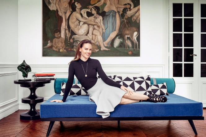 Stunning Lighting Designs Shine in Hilary Swank's Paris Apartment 1 lighting designs Stunning Lighting Designs Shine in Hilary Swank's Paris Apartment Stunning Lighting Designs Shine in Hilary Swanks Paris Apartment