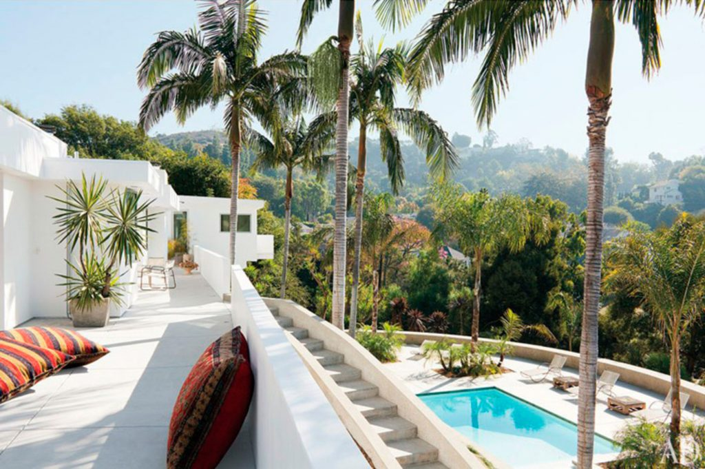 Adam Levine's Hollywood Hills Home with Mid-Century Floor Lamps 1 mid-century floor lamp Adam Levine's Hollywood Hills Home with Mid-Century Floor Lamps Adam Levines Hollywood Hills Home with Mid Century Floor Lamps 3