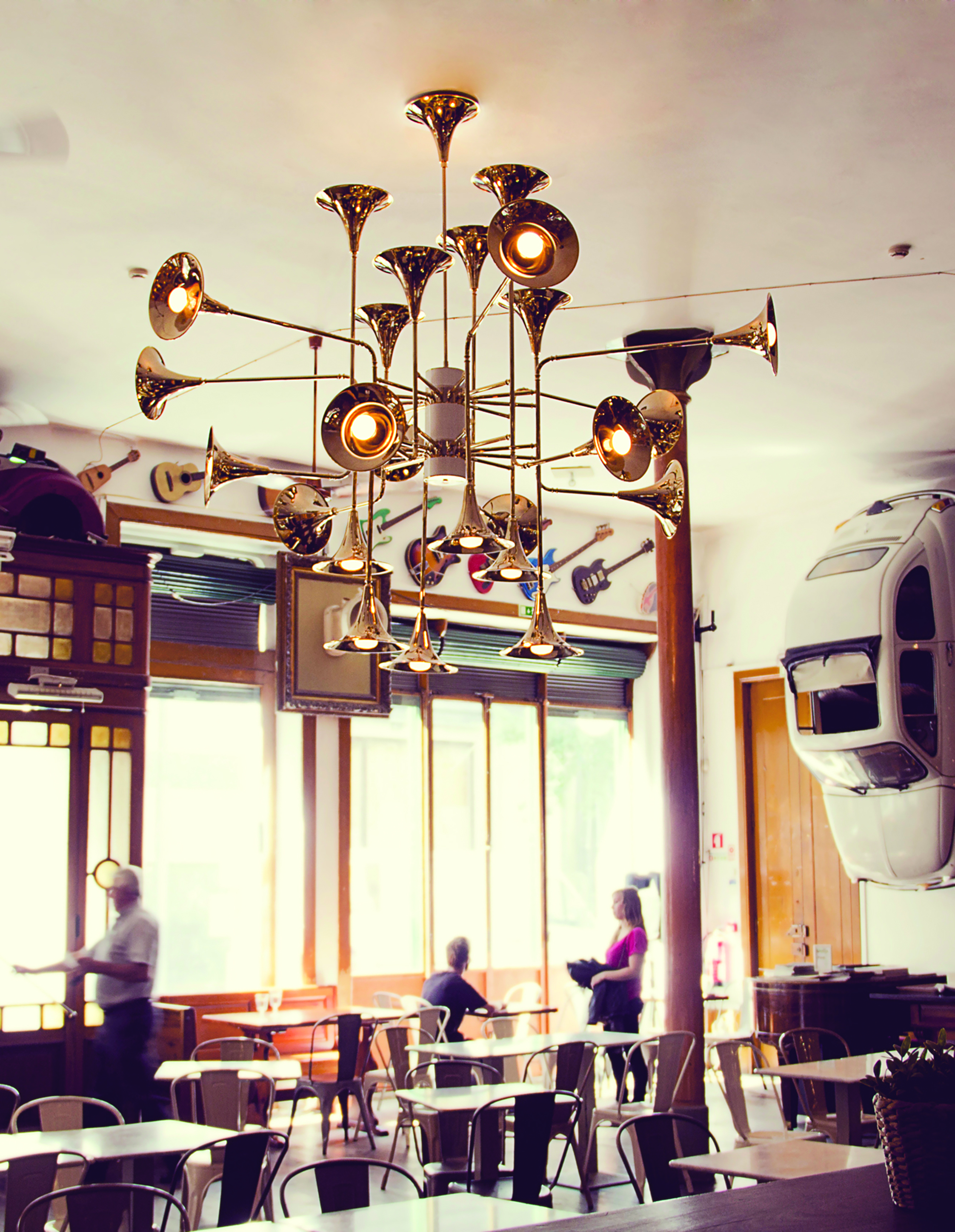 Make the Most of Your Restaurant Decor with These Lighting Designs (1) lighting design Make the Most of Your Restaurant Decor with These Lighting Designs Make the Most of Your Restaurant Decor with These Lighting Designs 1