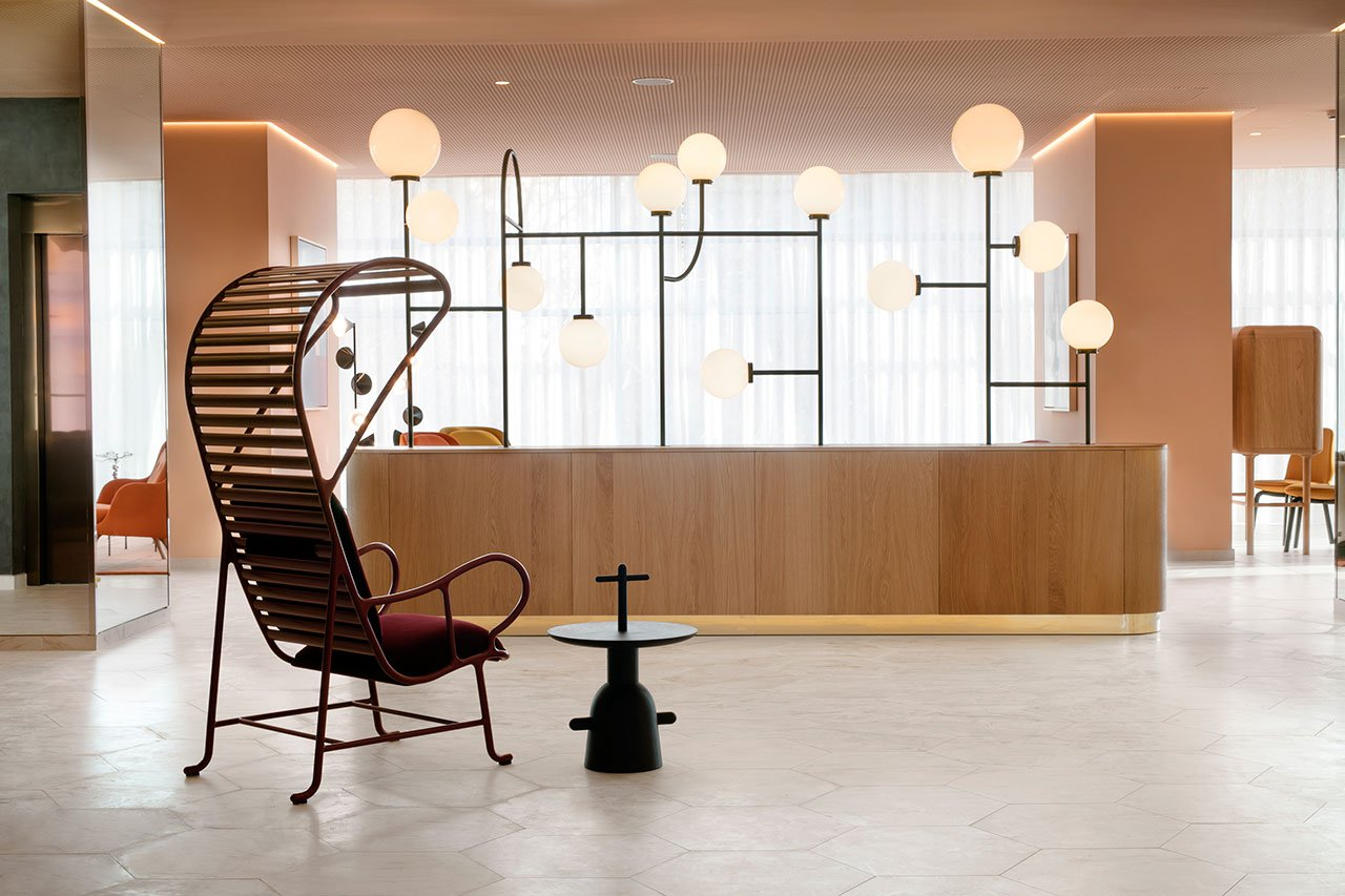 Barceló Torre de Madrid with Mid-Century Floor Lamps 1 mid-century floor lamp Barceló Torre de Madrid with Mid-Century Floor Lamps Barcel   Torre de Madrid with Mid Century Floor Lamps 6
