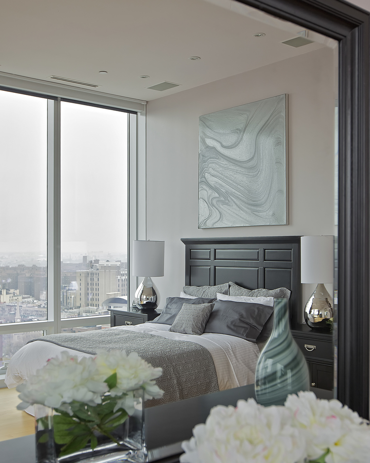 Chelsea Penthouse with Modern Floor Lamps & Sweeping Views 7