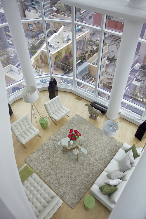Chelsea Penthouse with Modern Floor Lamps & Sweeping Views 2