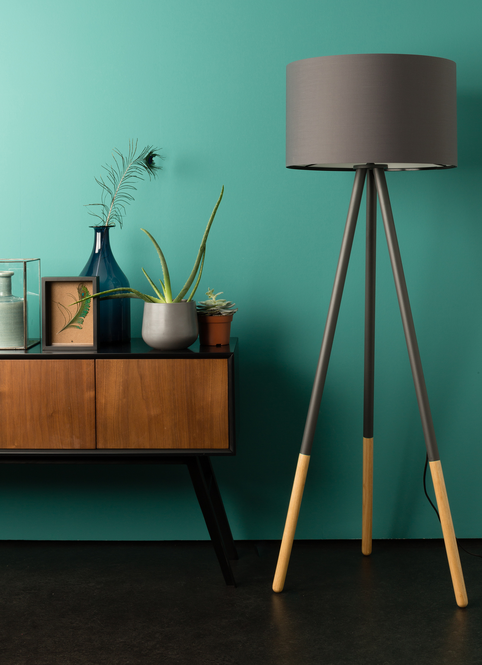 8 Modern Floor Lamps Pictures That Are Hot on Pinterest This Week (1) hot on pinterest 8 Modern Floor Lamps Pictures That Are Hot on Pinterest This Week 8 Modern Floor Lamps Pictures That Are Hot on Pinterest This Week 5