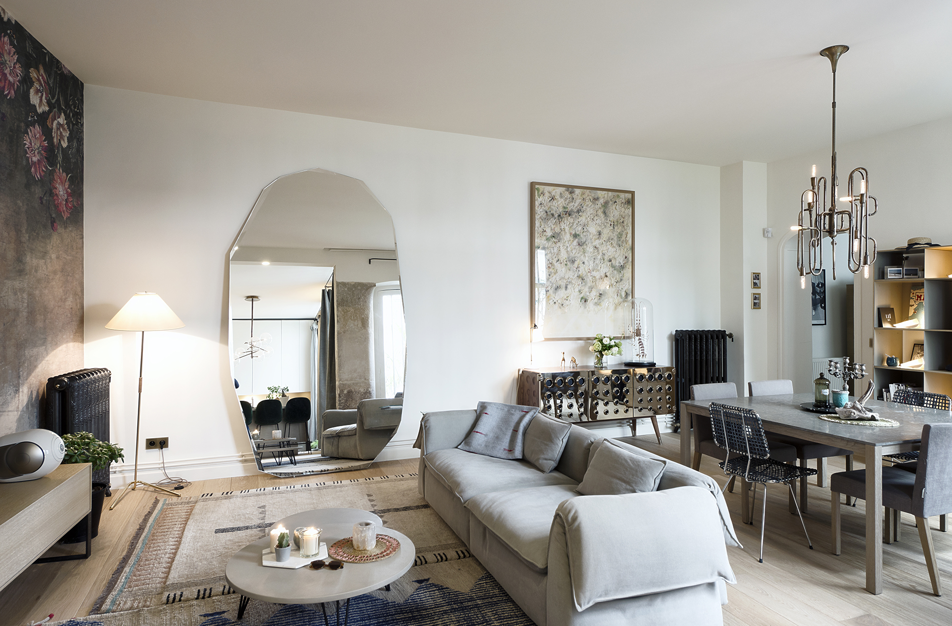 Mid-Century Lighting Brings Life to Apartment in Romantic Paris mid-century lighting Mid-Century Lighting Brings Life to Apartment in Romantic Paris Mid Century Lighting Brings Life to Apartment in Romantic Paris 1