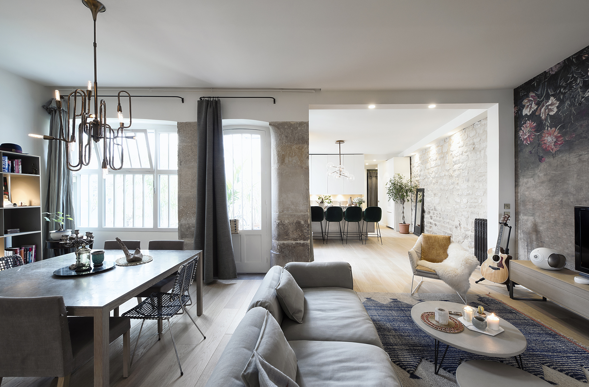 Mid-Century Lighting Brings Life to Apartment in Romantic Paris mid-century lighting Mid-Century Lighting Brings Life to Apartment in Romantic Paris Mid Century Lighting Brings Life to Apartment in Romantic Paris 2