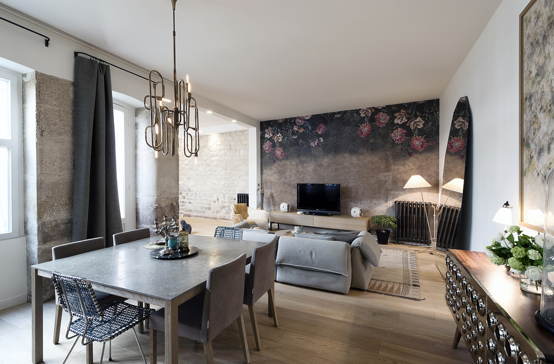 Mid-Century Lighting Brings Life to Apartment in Romantic Paris mid-century lighting Mid-Century Lighting Brings Life to Apartment in Romantic Paris Mid Century Lighting Brings Life to Apartment in Romantic Paris 3