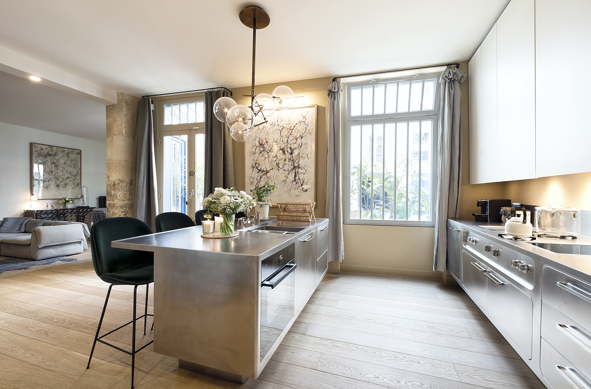 Mid-Century Lighting Brings Life to Apartment in Romantic Paris mid-century lighting Mid-Century Lighting Brings Life to Apartment in Romantic Paris Mid Century Lighting Brings Life to Apartment in Romantic Paris 5
