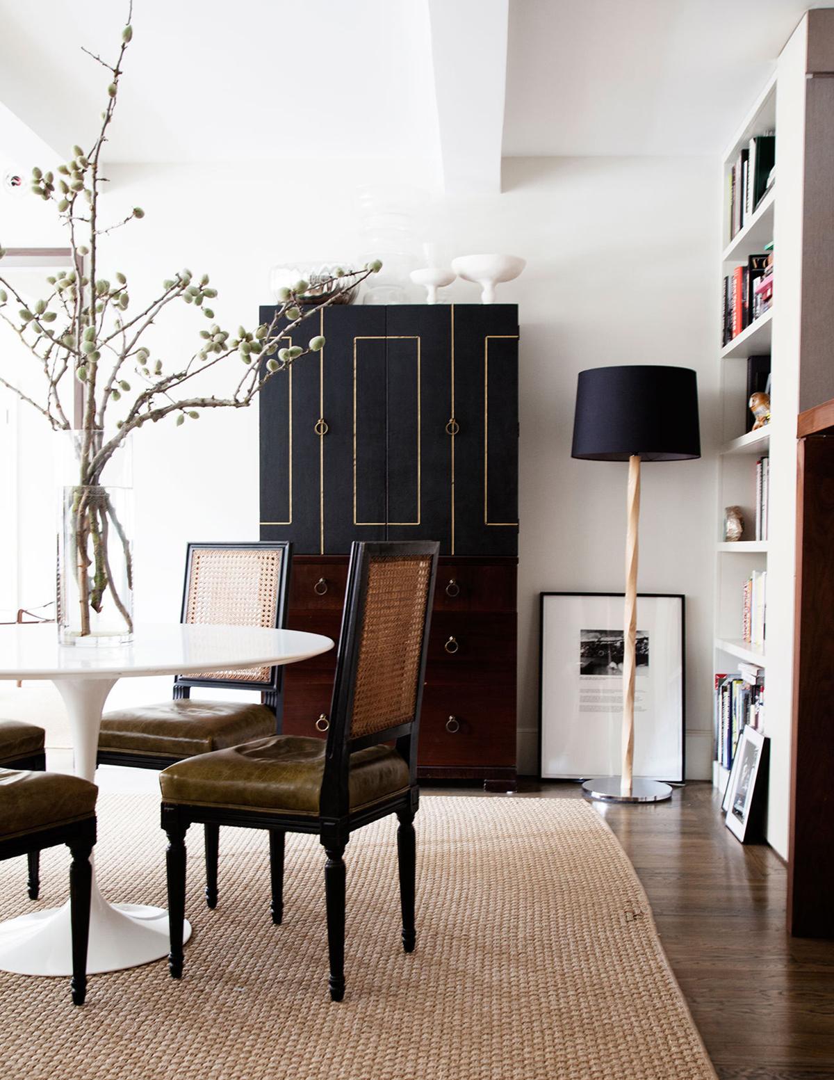 lighting designs Unique Lighting Designs Shine in Mid-Century Living Room Room of the Week Mid Century Living Room in Designer   s Home 6