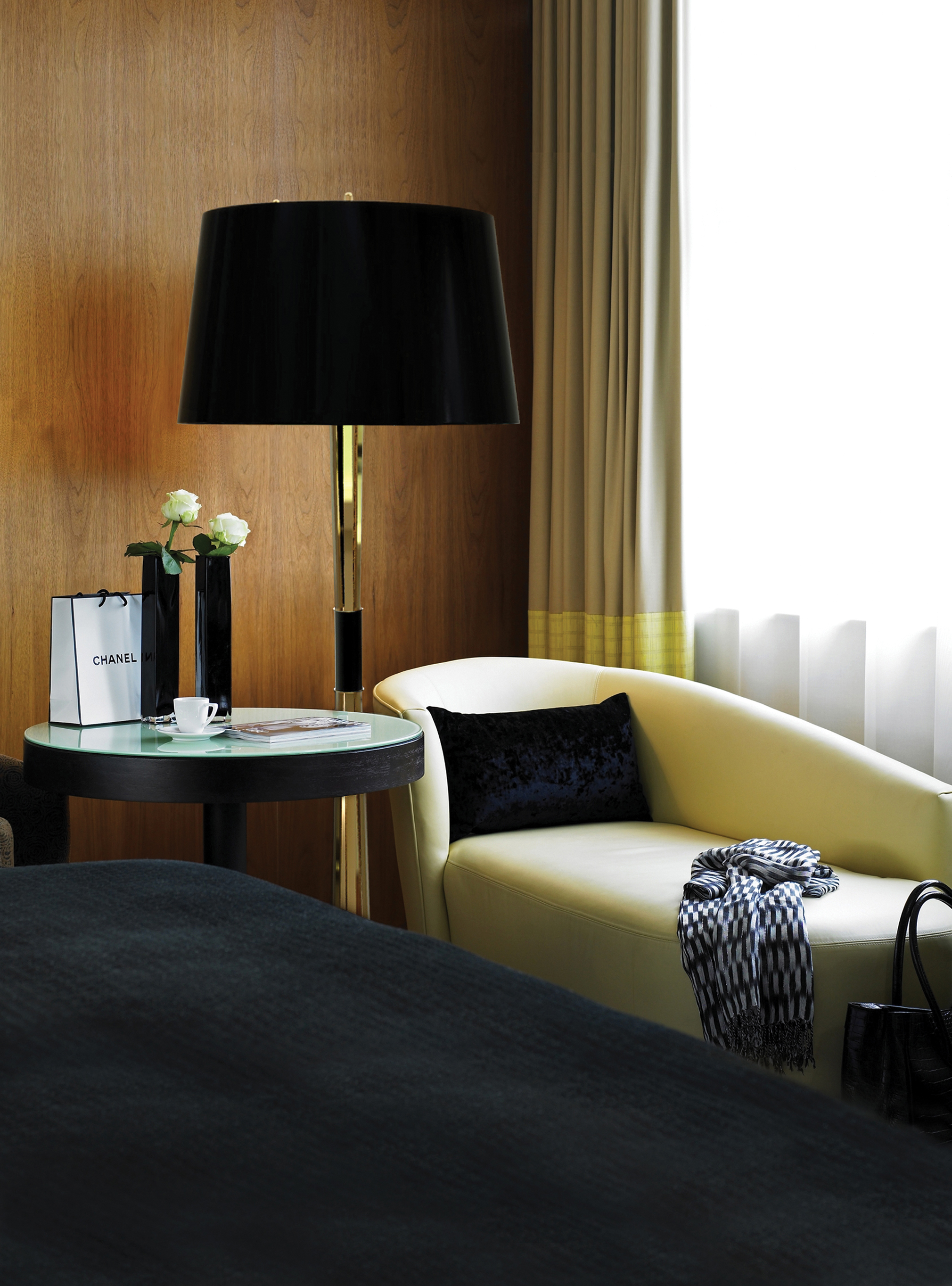 Black Floor Lamps That Will Shine in Your Mid-Century Modern Home 2  Black Floor Lamps That Will Shine in Your Mid-Century Modern Home Black Floor Lamps That Will Shine in Your Mid Century Modern Home 4
