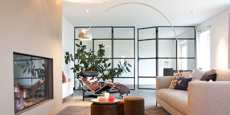 Discover Why You Should Be Using Arc Floor Lamps in Your Living Room FEAT
