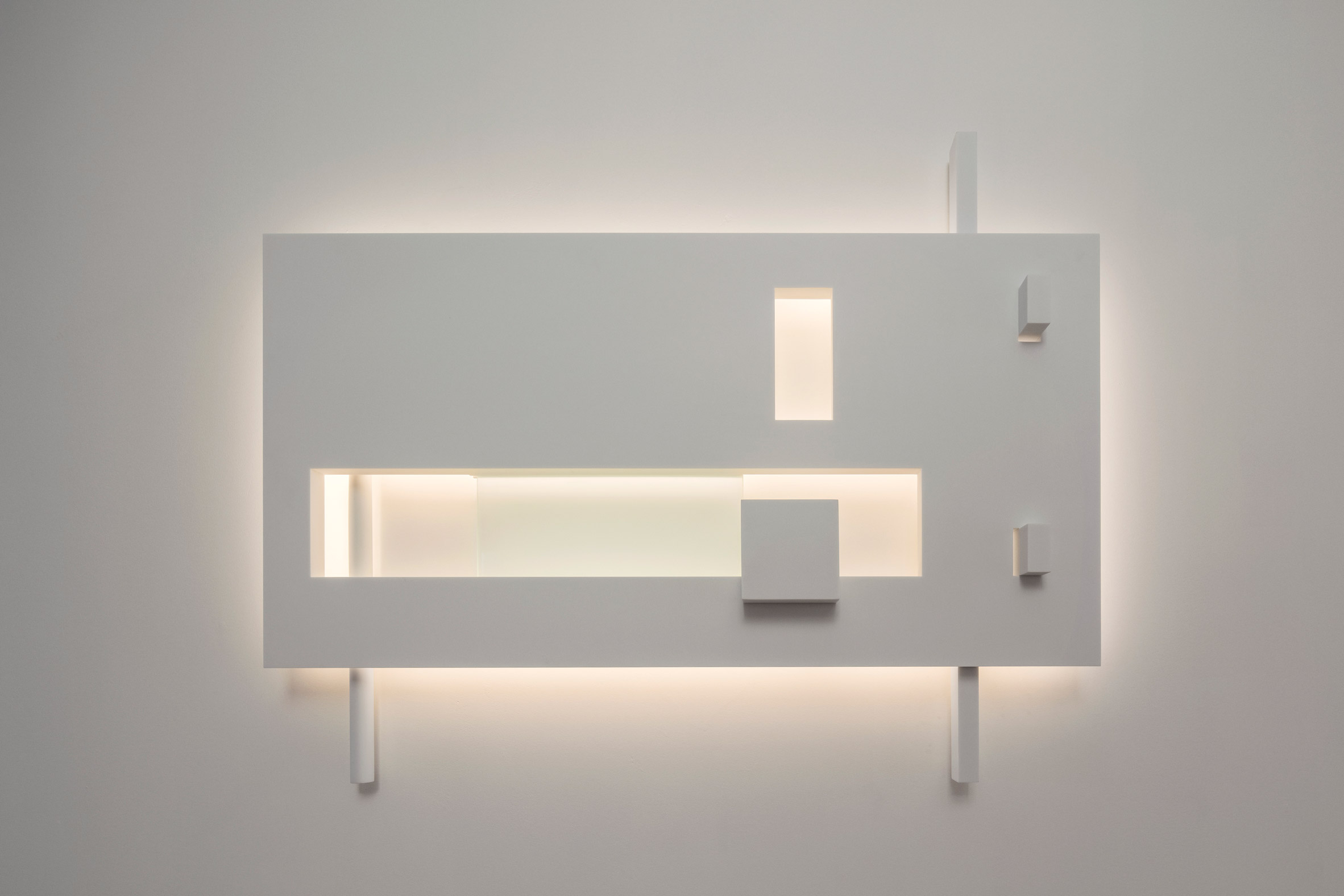 Fall in Love with Richard Meier's Minimal Lighting Collection 1 lighting collection Fall in Love with Richard Meier's Minimal Lighting Collection Fall in Love with Richard Meiers Minimal Lighting Collection 3