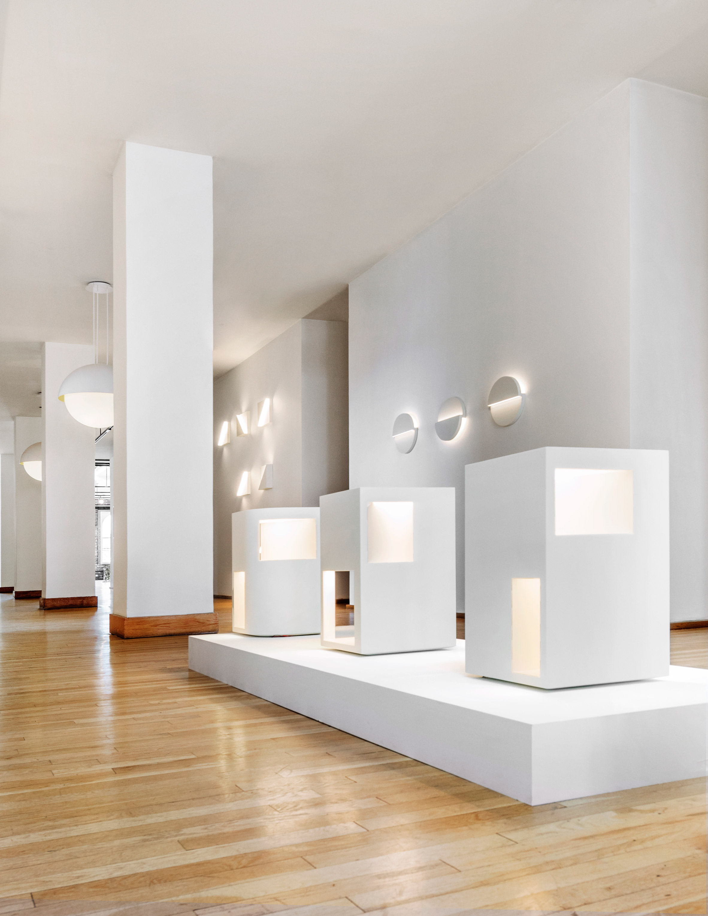 Fall in Love with Richard Meier's Minimal Lighting Collection 8 lighting collection Fall in Love with Richard Meier's Minimal Lighting Collection Fall in Love with Richard Meiers Minimal Lighting Collection 8