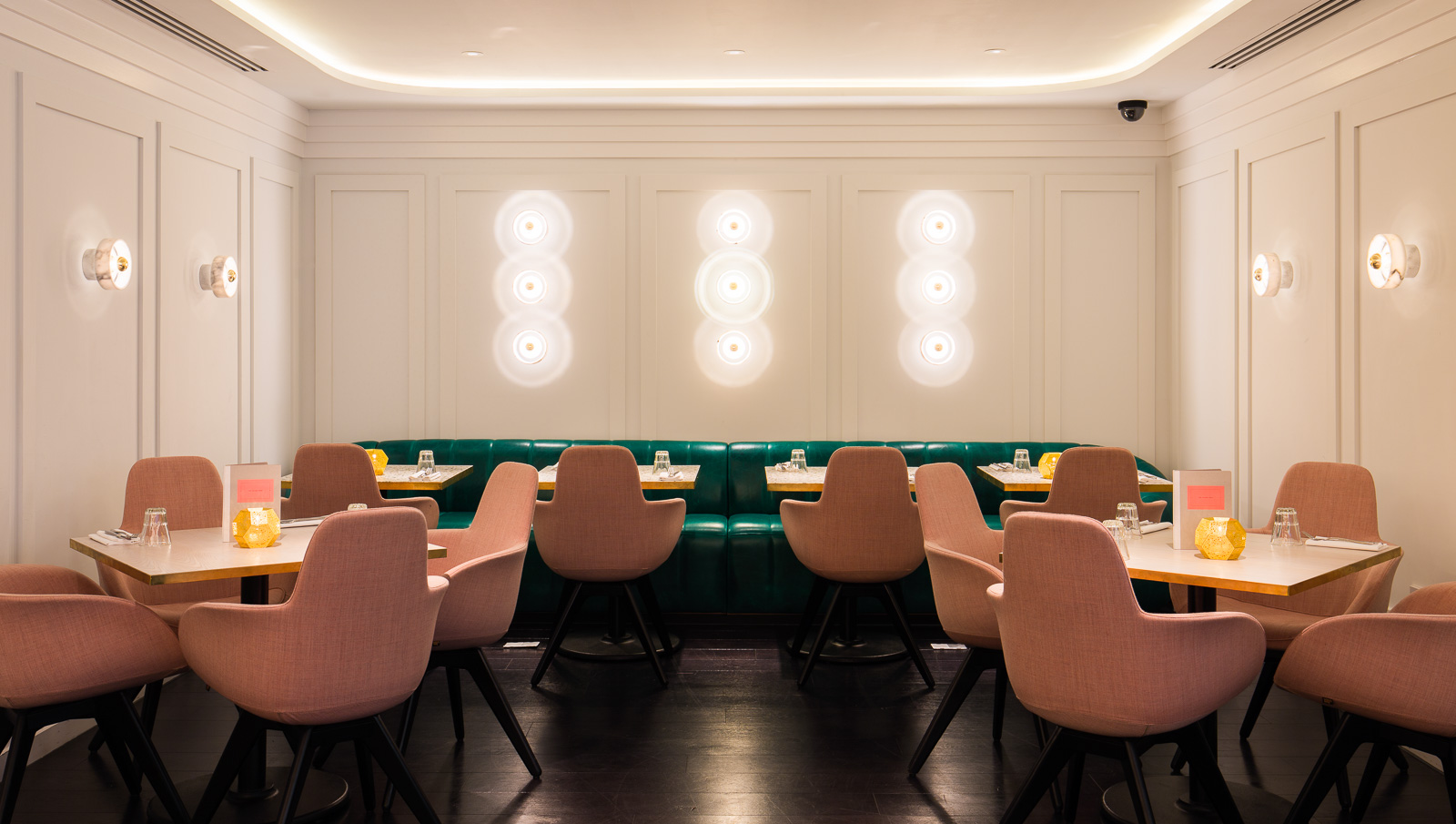 Meet The Restaurant to Eat in London with Best Lighting Designs 1 lighting design Meet The Restaurant to Eat in London with Best Lighting Designs Meet The Restaurant to Eat in London with Best Lighting Designs 2