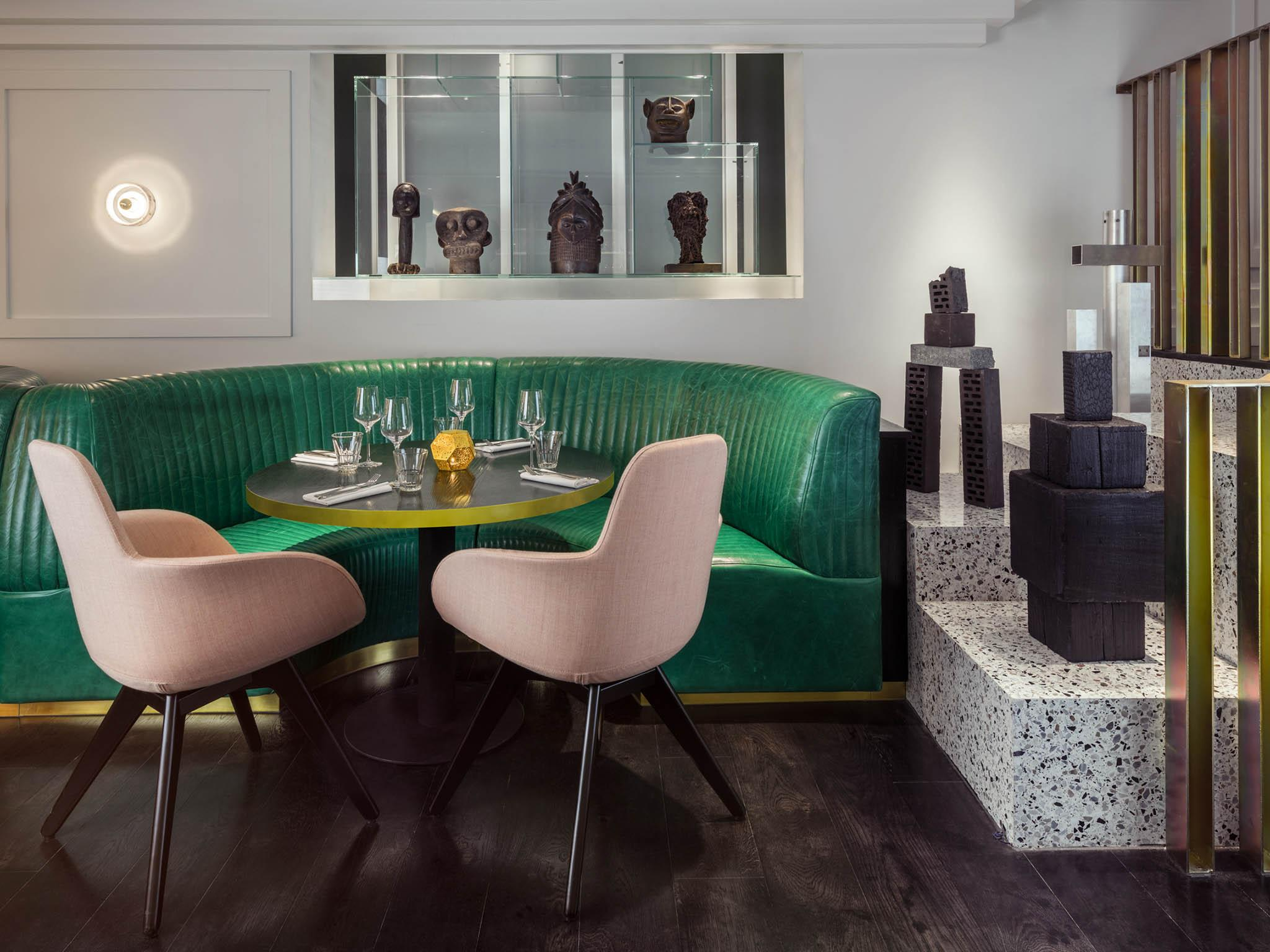 Meet The Restaurant to Eat in London with Best Lighting Designs 1 lighting design Meet The Restaurant to Eat in London with Best Lighting Designs Meet The Restaurant to Eat in London with Best Lighting Designs 5