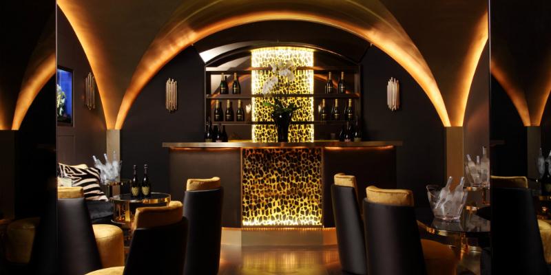 Meet the best restaurants with mid-century lighting design