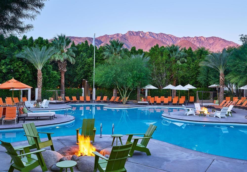 Palm Springs Hotel with Stunning Mid-Century Lighting Designs 7