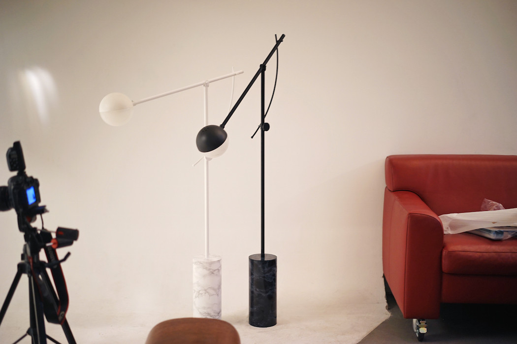 Get Inspired By This Minimal Floor Lamp minimal floor lamp Get Inspired By This Minimal Floor Lamp Get Inspired By This Minimal Floor Lamp 6