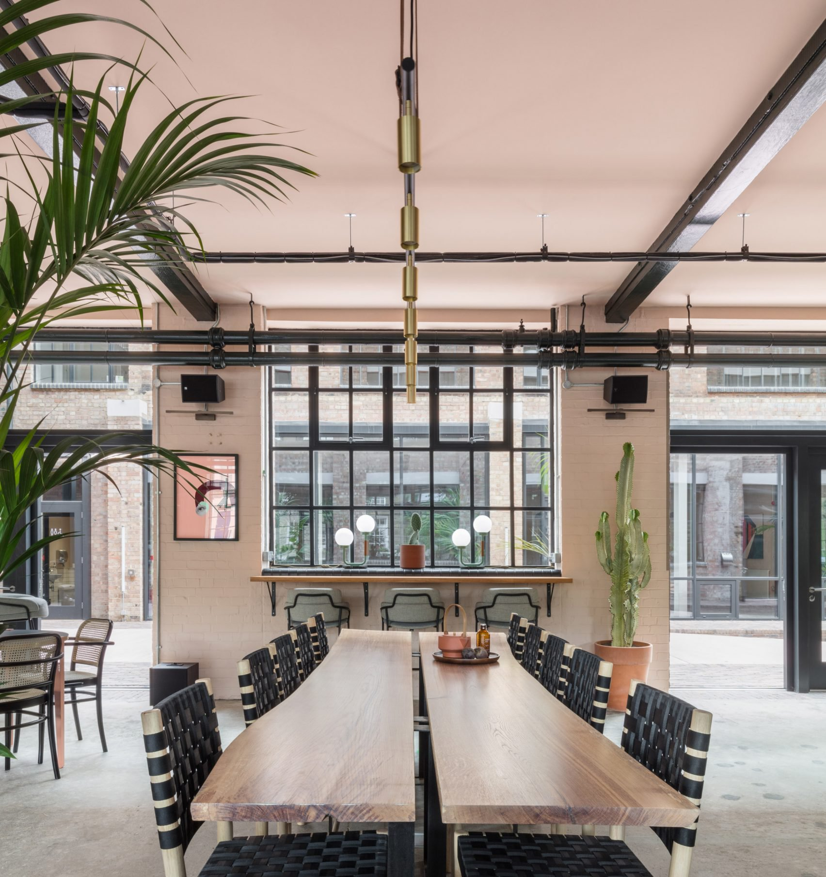 Office space design with creative inspiration in east london for Interior inspiration