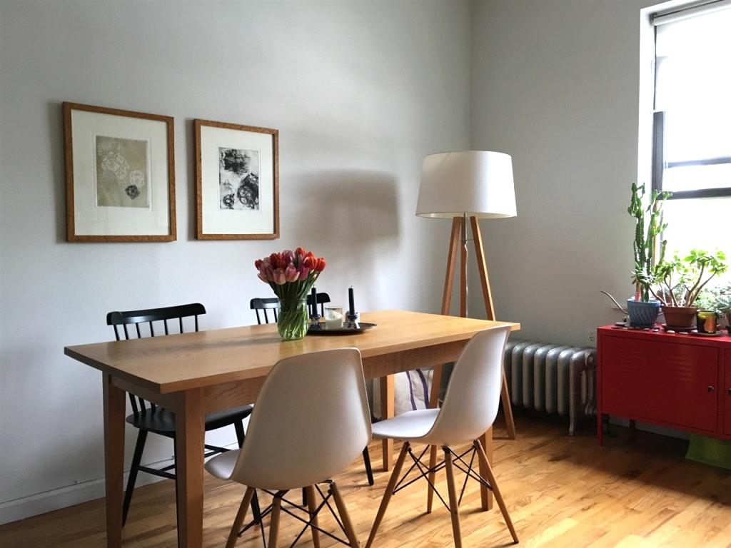 Why Your Dining Room Needs A Modern Floor Lamp 5 modern floor lamp Why Your Dining Room Needs A Modern Floor Lamp Why Your Dining Room Needs A Modern Floor Lamp 5