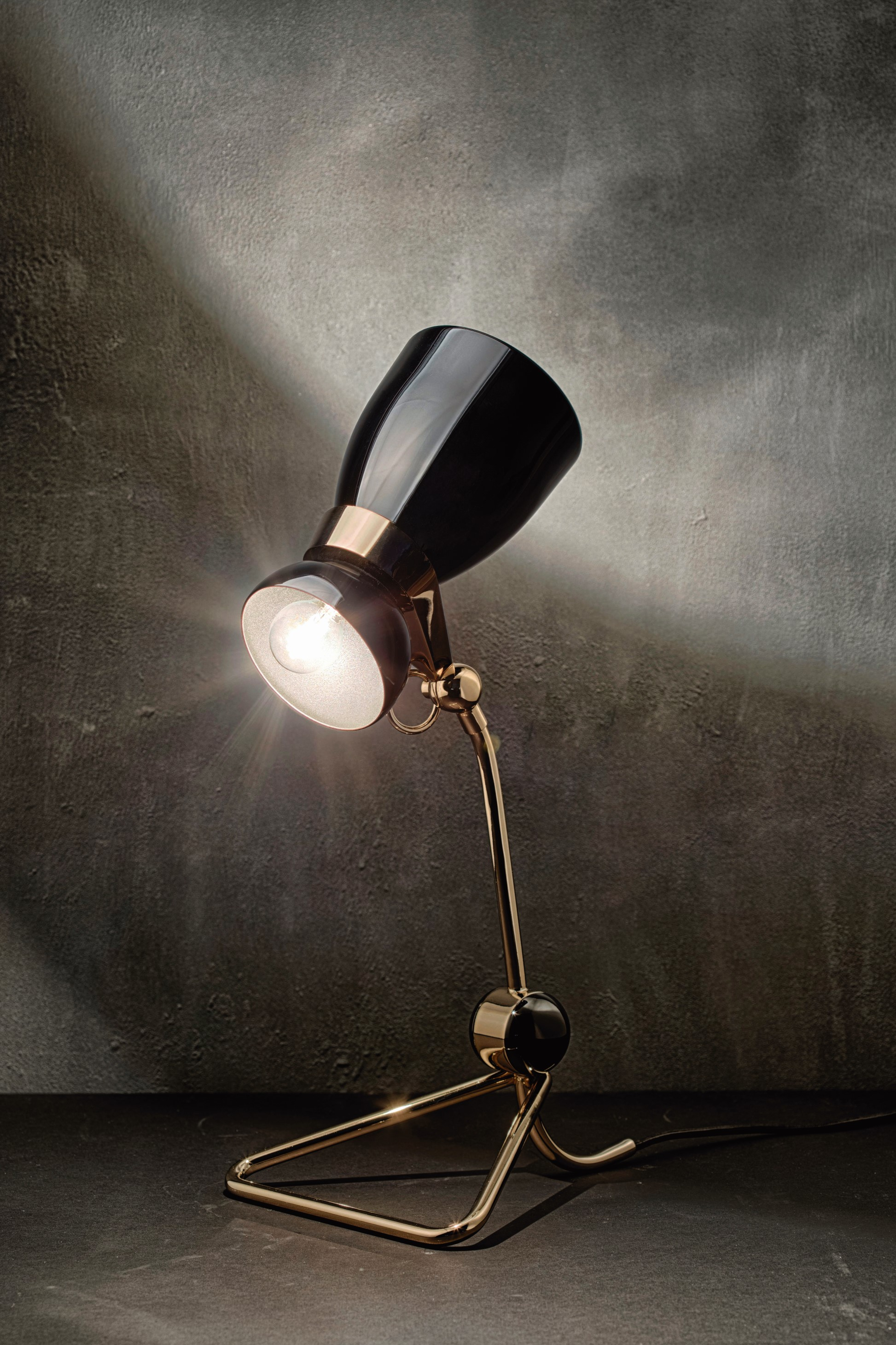into lighting. Amy Winehouse A Jazz Icon Transformed Into Mid-century Lighting Design 16 Mid-