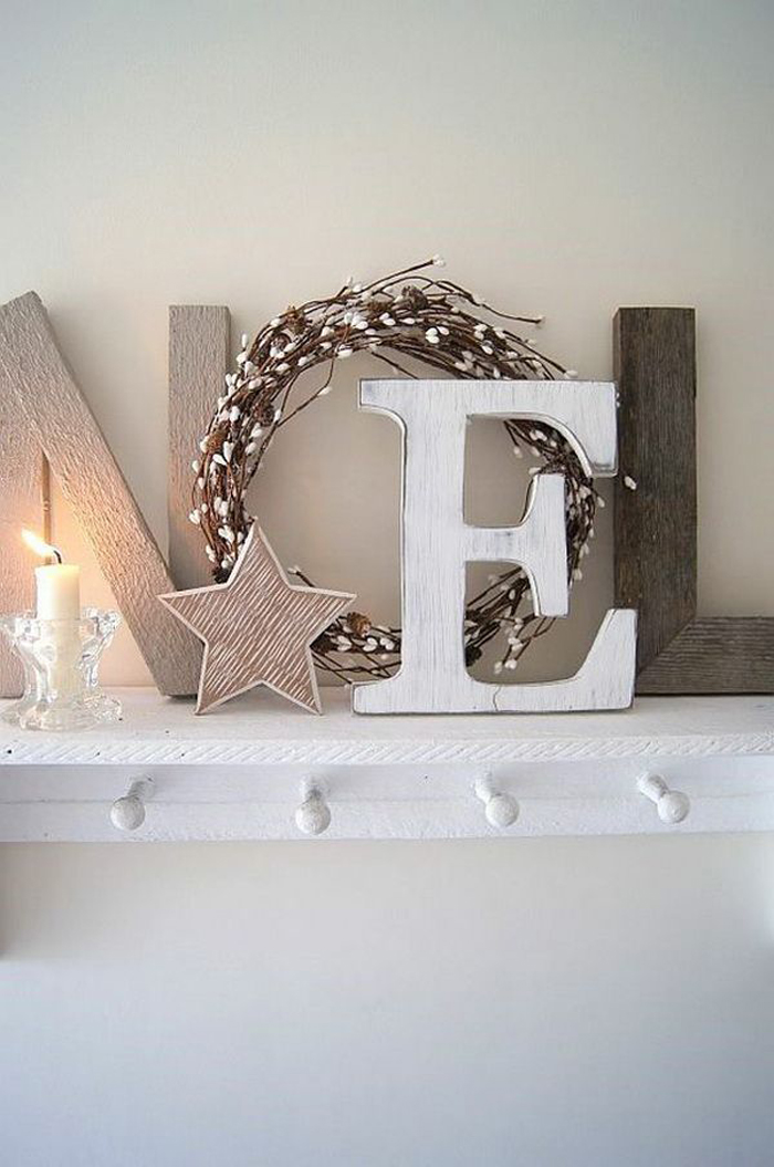 christmas decor Feel That Christmas Vibe Cuz It's Christmas Decor Time Feeling That Christmas Vibe Its Christmas Decor 1