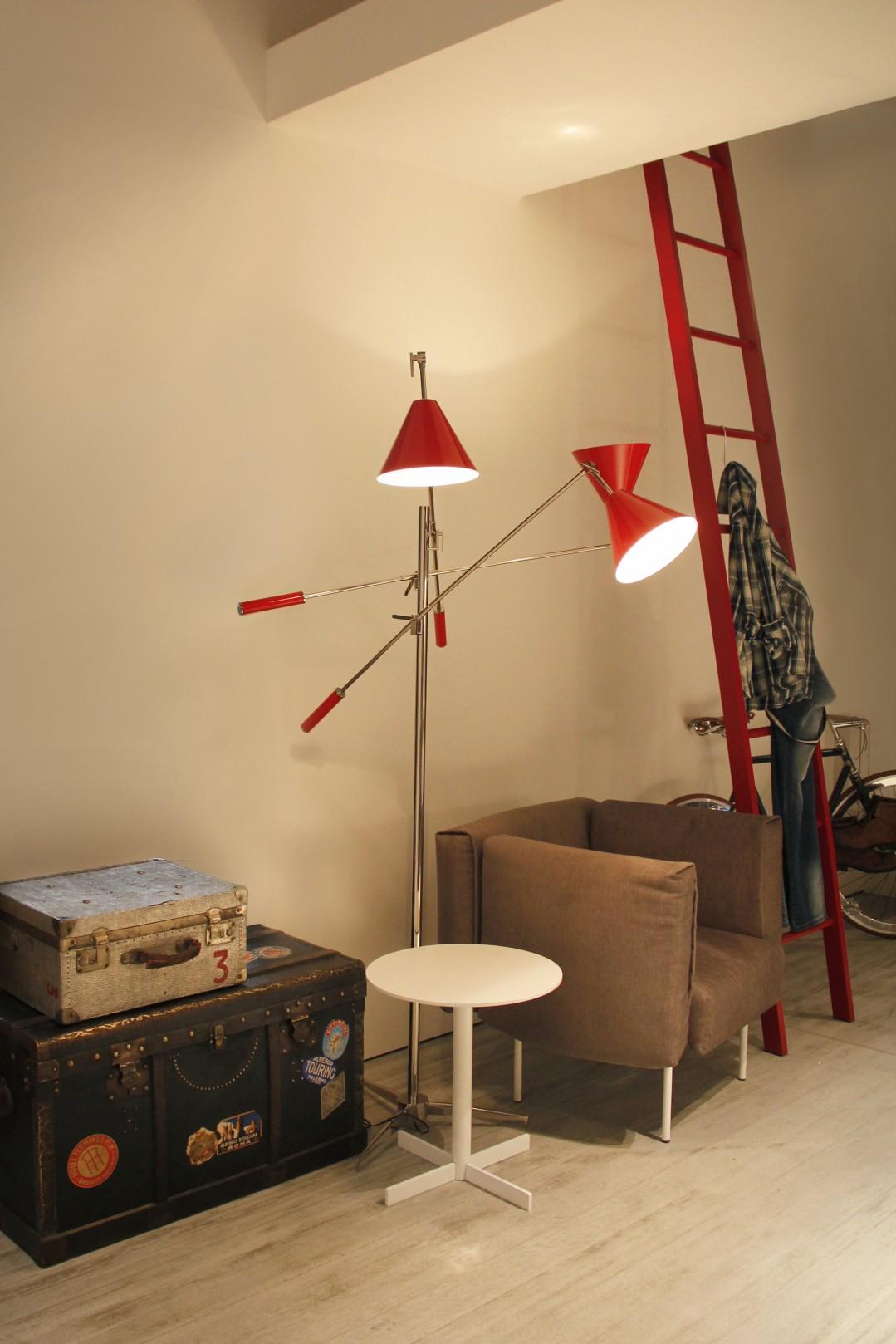 modern floor lamps Modern Floor Lamps In An All Red Everything Decor! Modern Floor Lamps In An All Red Everything Decor 6
