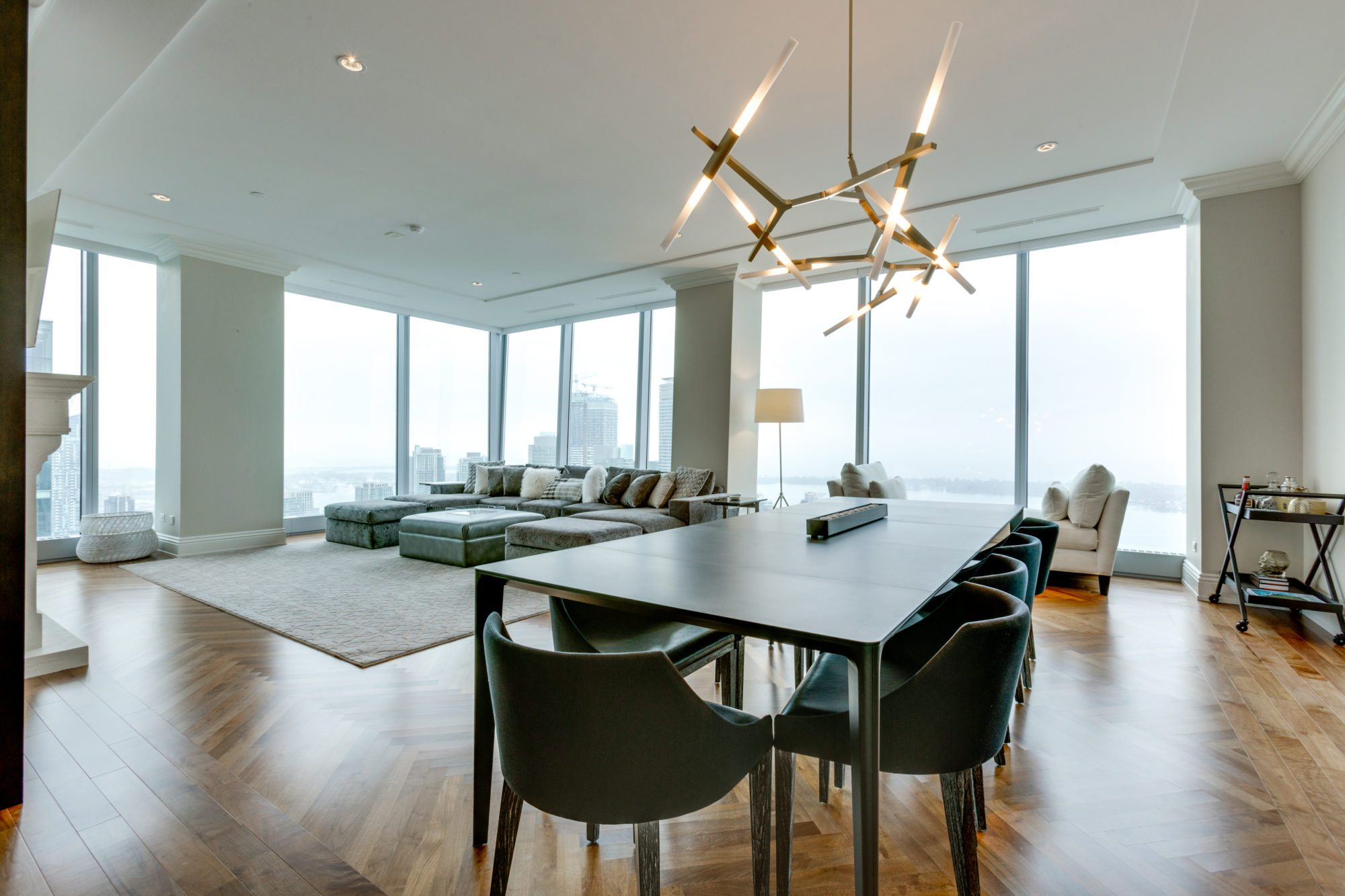 MODERN INTERIOR DESIGNERS modern interior designers Get To Know The Best Modern Interior Designers In Toronto! Ritz Carlton Residences by Harrison Fae Design