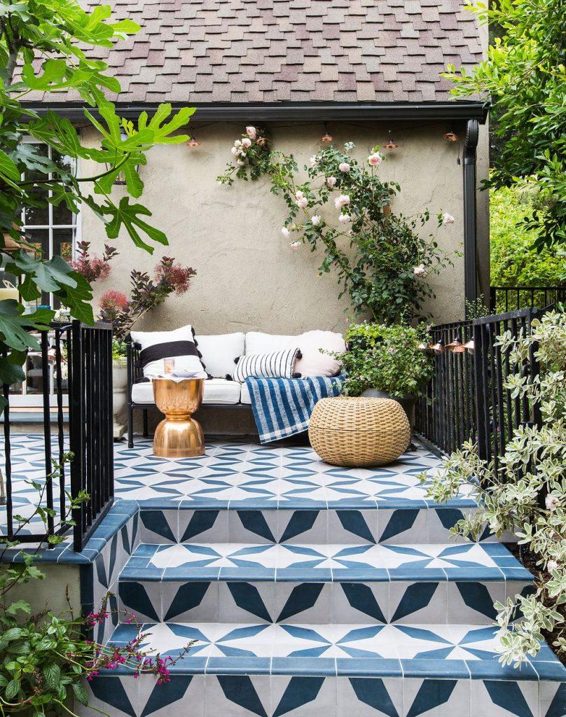 outdoor decor outdoor decor Best Modern Floor Lamps For Outdoor Decor! patioemily 051 808x1024